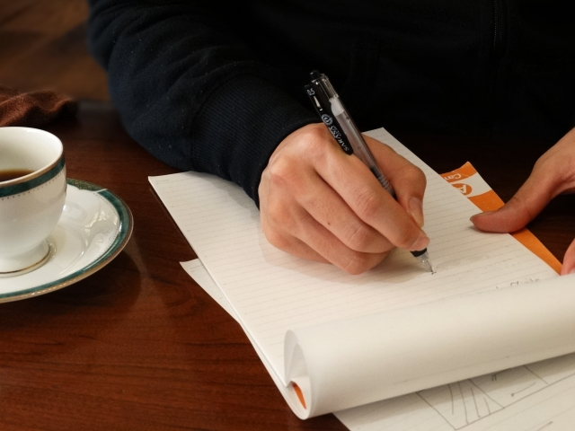 夢占い書く夢の意味10選!今のままでは失敗する暗示?